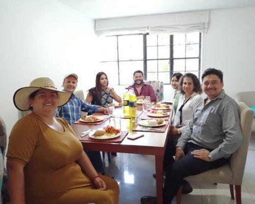 Almuerzo por el Día del Trabajo - Cinco Soluciones